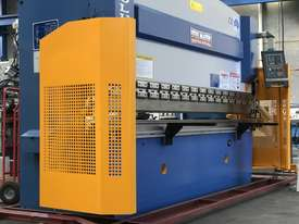 Steelmaster ABSOLUTE 3200mm x 90Ton NC2 Pressbrake - picture12' - Click to enlarge