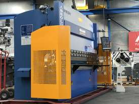 Steelmaster ABSOLUTE 3200mm x 90Ton NC2 Pressbrake - picture1' - Click to enlarge