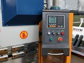 Steelmaster ABSOLUTE 3200mm x 90Ton NC2 Pressbrake - picture19' - Click to enlarge