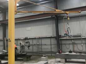 JIB CRANE WITH AIR HOIST  - picture0' - Click to enlarge