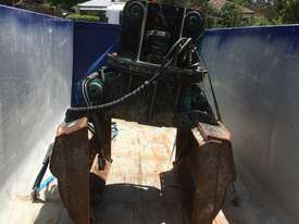 Excavator Rotating Clam Grab 360 Degree Turn - picture3' - Click to enlarge