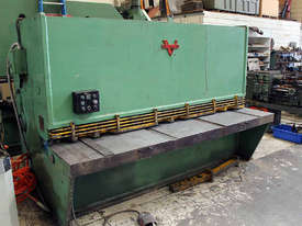 Verrina CS 10 2550 Hydraulic Guillotine - picture0' - Click to enlarge