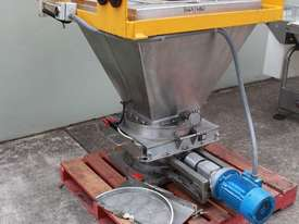 Hopper with Lump Breaker - picture1' - Click to enlarge