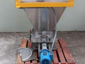 Hopper with Lump Breaker - picture2' - Click to enlarge