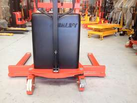 1.5T Straddle Leg Semi-Electric Walkie Stacker/Lifter Lifting 1600mm - picture2' - Click to enlarge