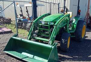 John Deere 4720 Tractor 59HP 4x4 with Front End Loader 4-in-1 bucket