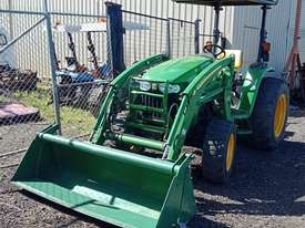 John Deere 4720 Tractor 59HP 4x4 - FEL 4-in-1 bucket, Flail Mower - picture0' - Click to enlarge