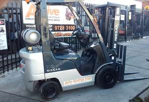 Nissan Forklift 1.8 Ton 4.3m Lift 2010 Model Container Entry