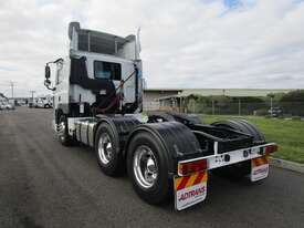 DAF CF 85 Series Primemover Truck - picture8' - Click to enlarge