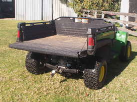 John Deere TX Gator 4 x 2  - picture2' - Click to enlarge