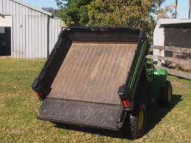 John Deere TX Gator 4 x 2  - picture3' - Click to enlarge