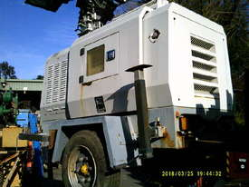 12kva 240 volt new genset in trailers 3cyl perkins / stanford generator silenced , only 2 left - picture6' - Click to enlarge
