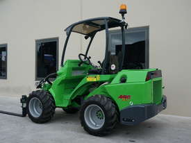 Avant 745 Mini Loader W/ Pallet Forks - picture0' - Click to enlarge
