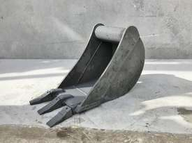 UNUSED 300MM DIGGING BUCKET TO SUIT 2-3T EXCAVATOR E028 - picture0' - Click to enlarge