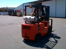 Mitsubishi 1.8T Used LPG Forklift FG18 - picture3' - Click to enlarge