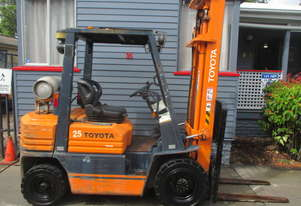 Toyota 2.5 ton LPG, Cheap Used Forklift