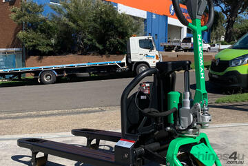 BRAND   - HYWORTH 1.5T Lithium Electric Pallet Jack FOR SALE