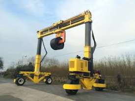 Combilift Mobile Gantry - picture3' - Click to enlarge