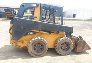 John Deere Skid Steer With Multiple Attachments