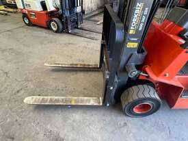 2.5 Tonne Container Mast Forklift For Sale - picture1' - Click to enlarge