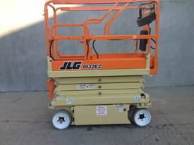 JLG 1932 Scissor Lift with major inspection done