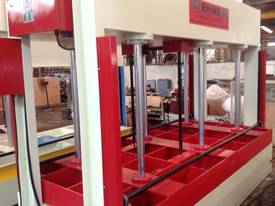 SINGLE AND MULTI DAYLIGHT HOT PRESSES  - picture1' - Click to enlarge