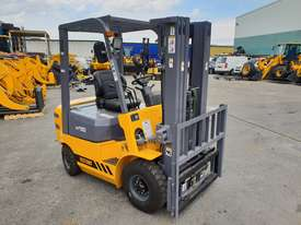 Victory VF18D Std Diesel Forklift - picture4' - Click to enlarge