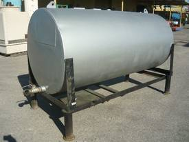 USED OIL STEEL TANK ON LEGS/ 2300LITRES - picture1' - Click to enlarge