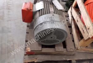 TOSHIBA 15KW ELECTRIC MOTOR 3 PHASE #A