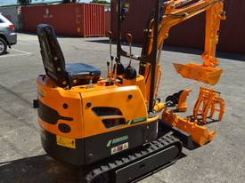 Mini Excavator ME850 with Buckets Ripper Post - picture2' - Click to enlarge