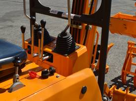 Mini Excavator ME850 with Buckets Ripper Post - picture3' - Click to enlarge