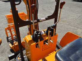 Mini Excavator ME850 with Buckets Ripper Post - picture11' - Click to enlarge