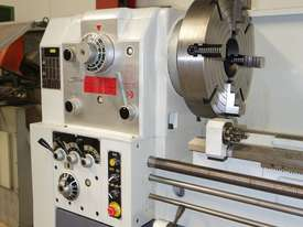 � 660mm Swing Centre Lathe, 104mm Spindle Bore, 3m BC - picture0' - Click to enlarge