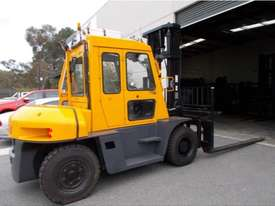 7000KG DIESEL FORKLIFT - picture0' - Click to enlarge
