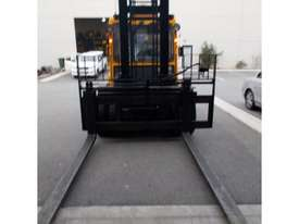 7000KG DIESEL FORKLIFT - picture1' - Click to enlarge