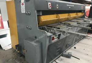 Or  Hydraulic Guillotine