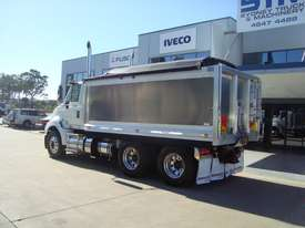 International  Tipper Truck - picture1' - Click to enlarge