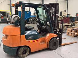 Used Toyota Container Forklift - 3 Ton Capacity - picture0' - Click to enlarge