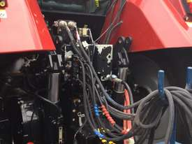 Case IH CVX 160 FWA/4WD Tractor - picture4' - Click to enlarge