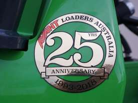 Avant 528 Mini Loader W/ 4 in 1 Bucket - picture4' - Click to enlarge