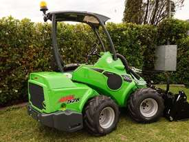 Avant 528 Mini Loader W/ 4 in 1 Bucket - picture12' - Click to enlarge