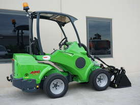 Avant 528 Mini Loader W/ 4 in 1 Bucket - picture15' - Click to enlarge