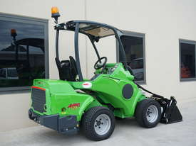 Avant 528 Mini Loader W/ 4 in 1 Bucket - picture16' - Click to enlarge