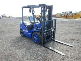 Unused 2018 Apache HH30Z 3 Ton Diesel Forklift  - picture3' - Click to enlarge