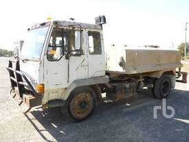 MITSUBISHI FK4189A Water Truck - picture1' - Click to enlarge