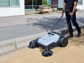 Nilfisk Advance SW250 Walk Behind Sweeper - picture0' - Click to enlarge