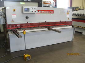 Metalmaster 2500mm x 4mm Hydraulic Guillotine, Power Bgauge - picture0' - Click to enlarge