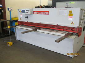 Metalmaster 2500mm x 4mm Hydraulic Guillotine, Power Bgauge - picture1' - Click to enlarge