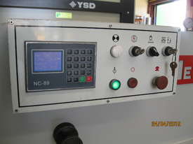 Metalmaster 2500mm x 4mm Hydraulic Guillotine, Power Bgauge - picture2' - Click to enlarge