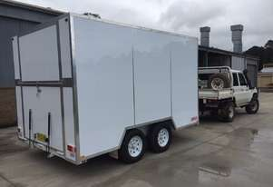 Dean Trailer Fully Enclosed Tandem Trailer